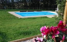 Le Maracla giardino con piscina.